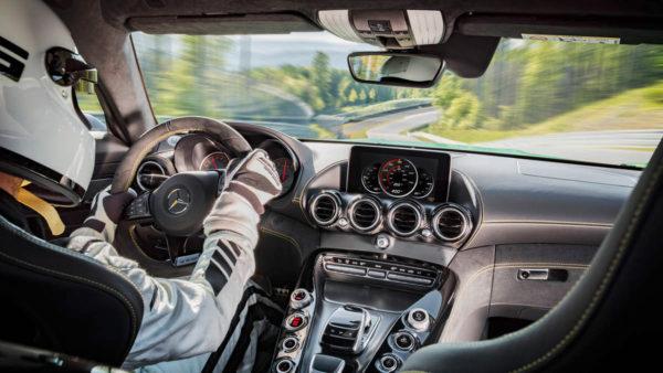 2017-Mercedes-AMG-GT-R-10