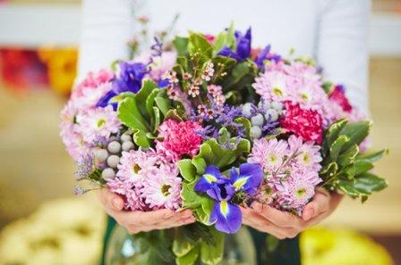 В какие города доставляет цветы компания PandaFL?