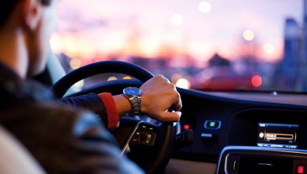 Преимущества проката авто без водителя