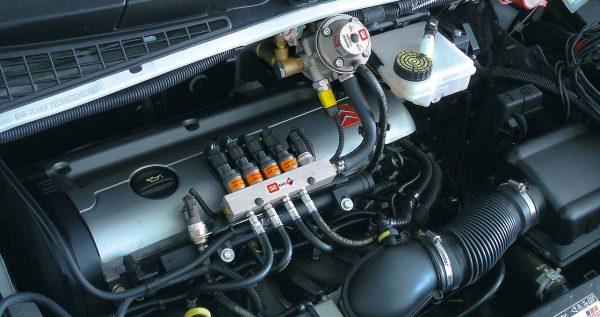 Установка газобалонного оборудования в автомобиль