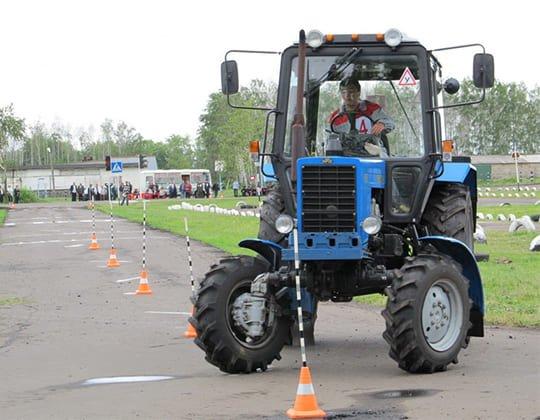 Как долго длятся курсы вождения трактором?